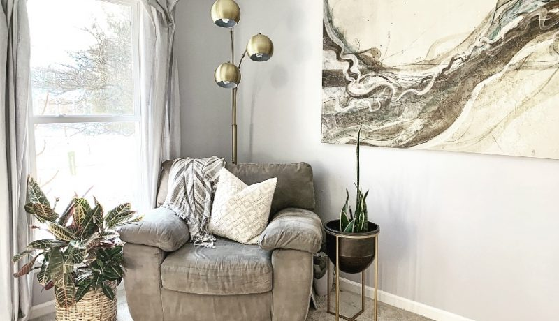 decorating-with-gold-contemporary-casual-the-shady-gal-writes