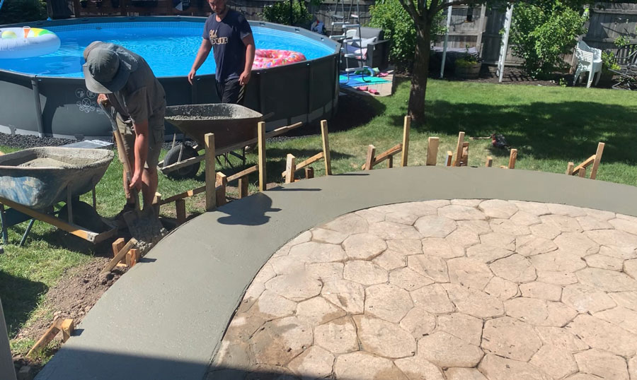 pouring the steps for concrete patio