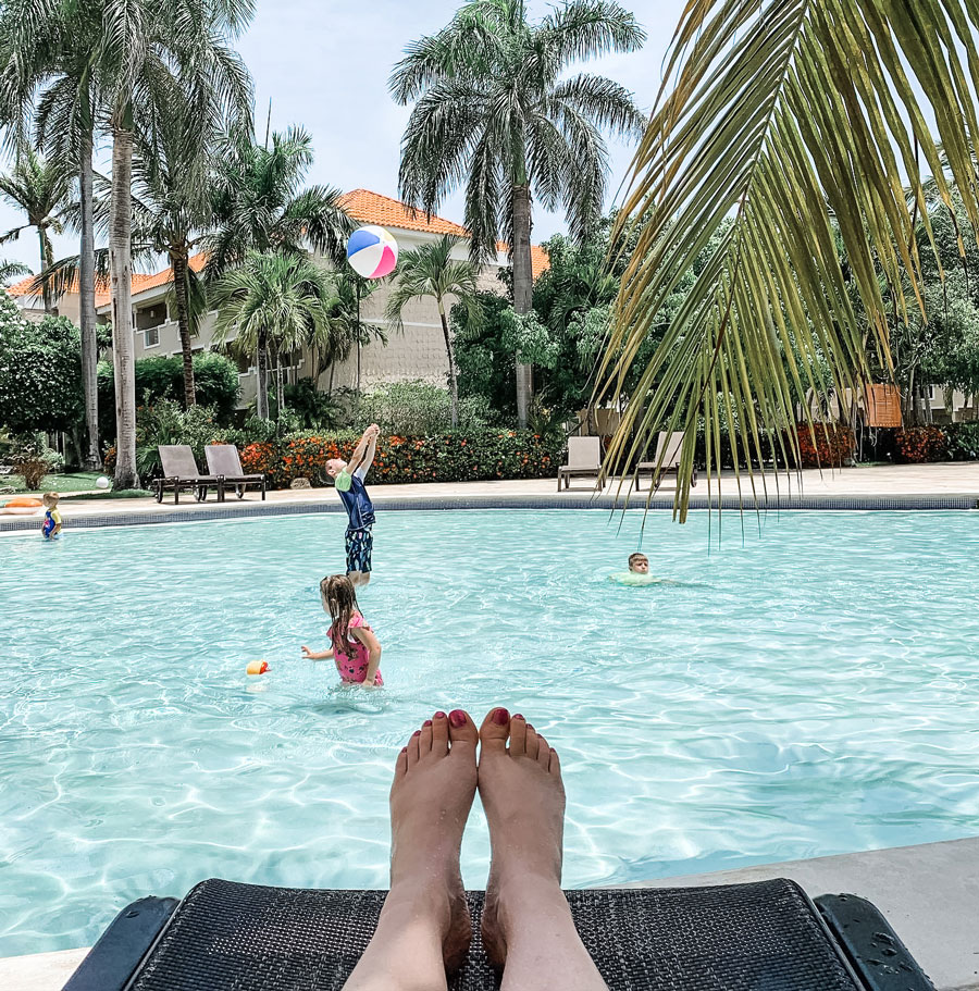 kids in pool in punta cana